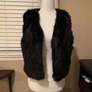 NWOT Romeo & Juliet Couture Faux Fur Vest